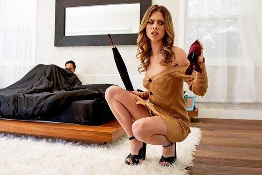 Худая зрелая блондинка Anya Olsen любит жесткий секс с мужем