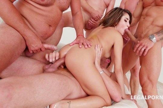 Двойной анал и поедание спермы в Ганг Бэнг порно со шлёндрой Isabella Nice