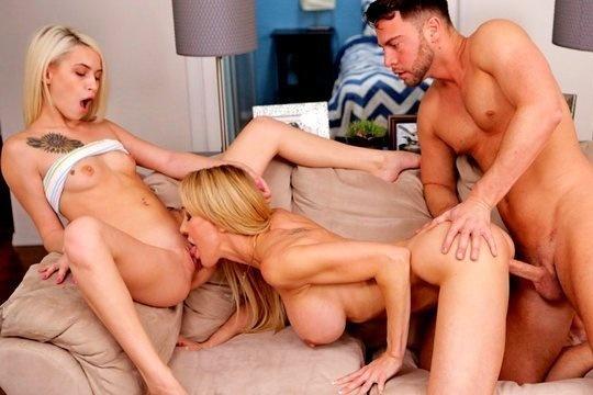 Зрелая блондинка Brandi Love занимается сексом со своими сыном и дочерью