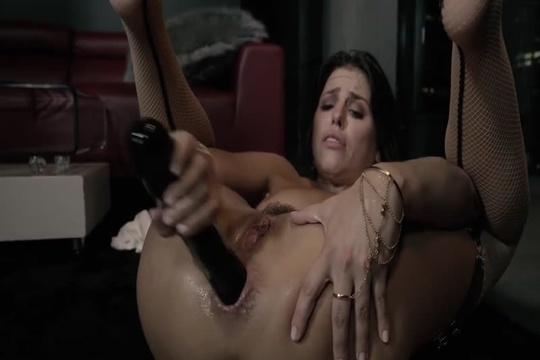 Анальная шлюха Adriana Chechik ебет свое очко секс игрушками и хуем мужика